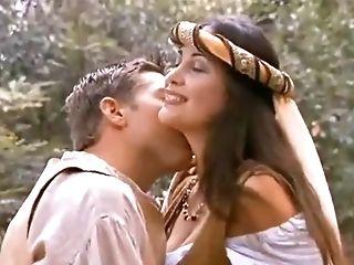 знаменитости, эротическое, первый раз, в лесу, трахает, в бассейне, верхом, софткор, Virgin,