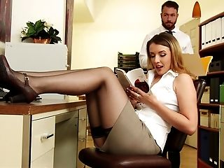 American, Babe, Blowjob, Boss, Desk, Lingerie, Office, Skirt, Stockings, White,