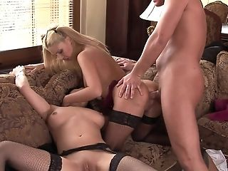 Analsex, Baby, Blowjob, Bekleideter Sex, Doggystyle, Ffm, Fishnets, Hardcore, Natürliche Titten, Pornostar,